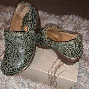 Clog BOC heels worn maybe once